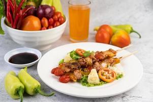 viande barbecue aux tomates et poivrons