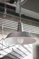 lampe industrielle en métal