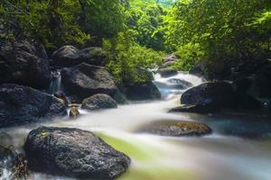 Cascade de Nang Rong en Thaïlande
