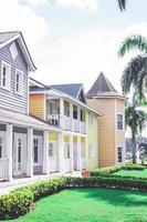Santo Domingo, République dominicaine, république, maison colorée avec palmiers photo