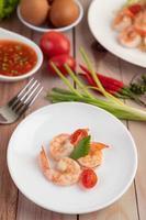 une simple assiette de crevettes