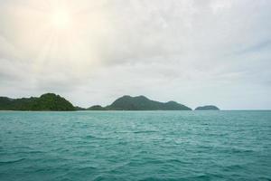 la mer à koh chang en thaïlande photo