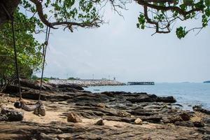 rochers au bord de la mer