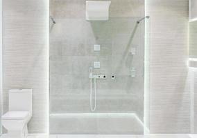 douche en verre moderne