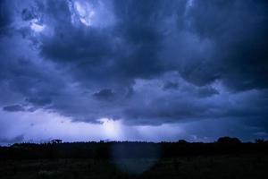 ciel orageux la nuit photo