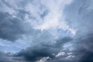nuages de pluie gris photo