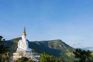 Bouddha au wat phra que pha son kaeo photo