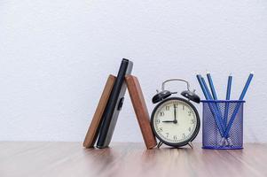 cahiers sur le bureau