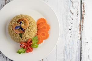 riz aux crevettes aux tomates et carottes