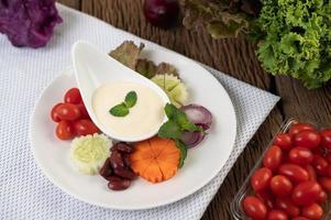 ingrédients pour la vinaigrette en tasses