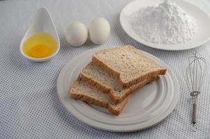 ingrédients à base d'œufs et de farine de tapioca