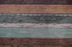 planches de bois de différentes couleurs photo