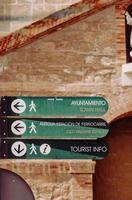 panneaux de signalisation verts