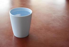 verre d'eau en plastique