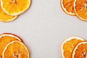 vue de dessus des tranches d'orange photo