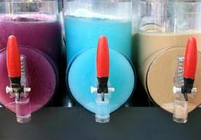 machines à neige fondantes colorées photo