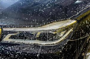 lavage de voiture avec mousse photo