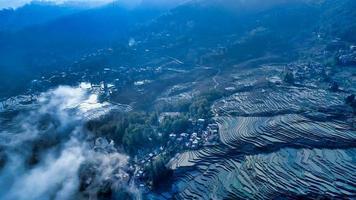 Vue aérienne des terrasses de Yuanyang photo