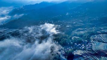 nuages sur les terrasses de Yuanyang photo