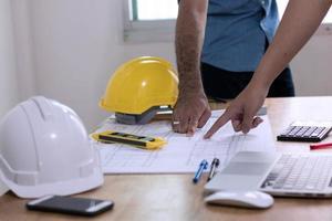 ingénieur planification avec architecte photo