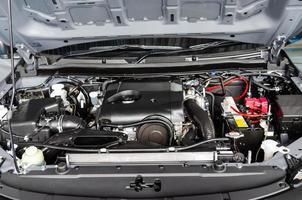 détail du moteur d'une voiture