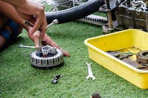 réparation de moteur de moto photo