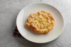 pain torsadé aux amandes photo