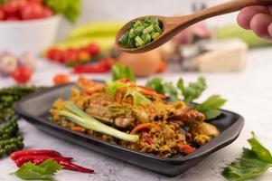 plat de curry sauté de crabe