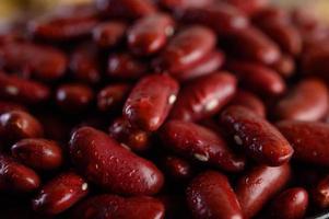 haricots rouges avec de l'eau pulvérisée