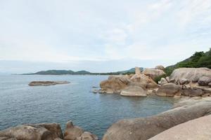 grand-père roches en thaïlande photo