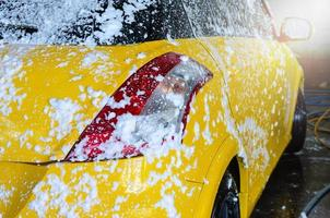 lavage de voiture en mousse