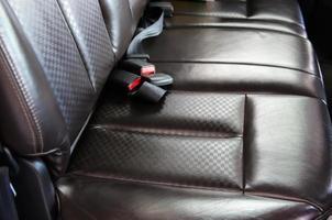 sièges en cuir marron propre photo