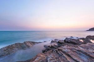 la mer au coucher du soleil photo