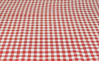 nappe à carreaux rouge