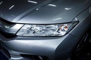 phares de voitures modernes photo
