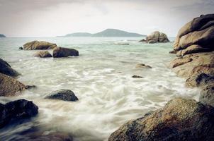 rochers et mer photo