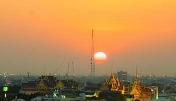ville de bangkok au coucher du soleil