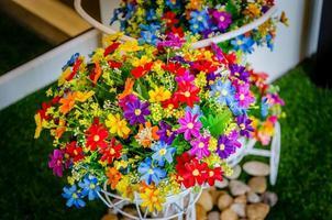 fleurs printanières colorées photo