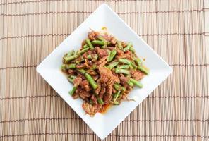 lentilles frites au porc, cuisine thaïlandaise photo