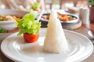 plat de riz cuit photo