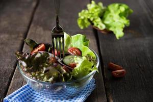 gros plan, de, salade de légumes frais photo