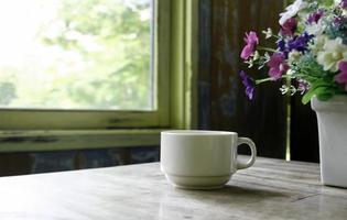 café et fleurs photo