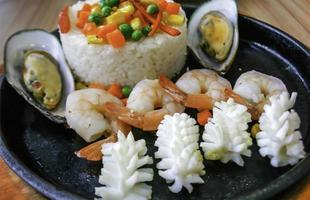 fruits de mer sur assiette