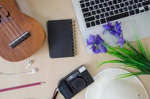 accessoires de voyage et ordinateurs portables photo