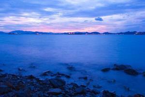 plage le soir photo