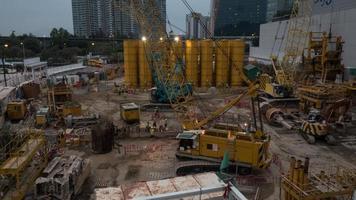 hong kong, 2020 - chantier le soir photo