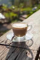 café sur terrasse en bois