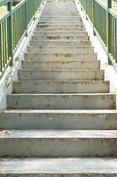 vieux escaliers menant photo
