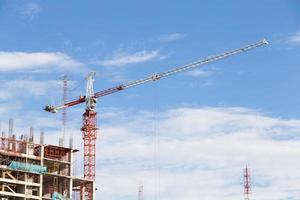 Grue sur un chantier de construction à Bangkok