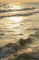 la mer au lever du soleil